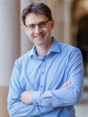 Dr Richard Haas