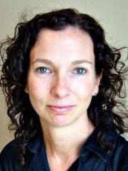 Dr Lisa Bidwell