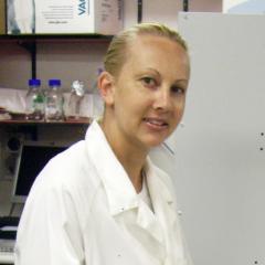 Dr Bonnie Holmes