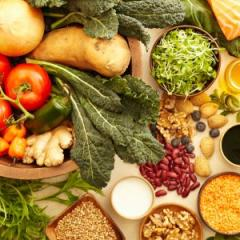 Women who follow a Mediterranean-style diet in the years before becoming pregnant could face a significantly reduced risk of developing hypertensive disorders during pregnancy, new research from The University of Queensland (UQ) suggests.